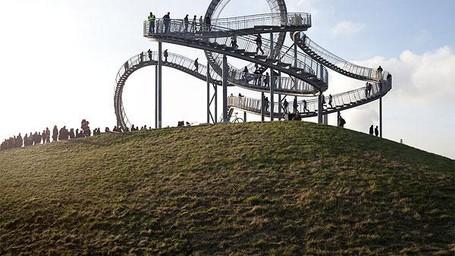 Keren Atau Ngeri, Jalan Kaki Di Jalur Roller Coaster