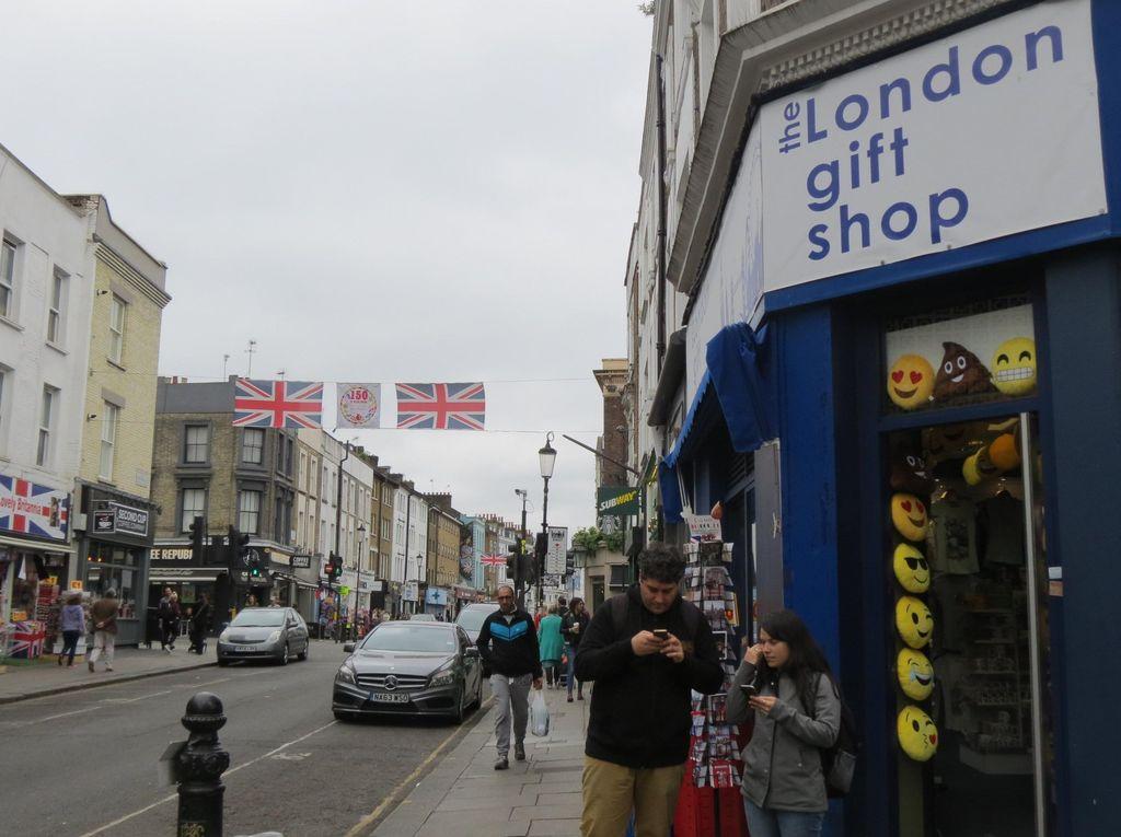 Wisata Belanja Murah di London