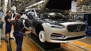 Volvo Resmi Produksi New V90