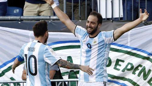 Top Skorer Copa: Vargas, Messi, atau Higuain?