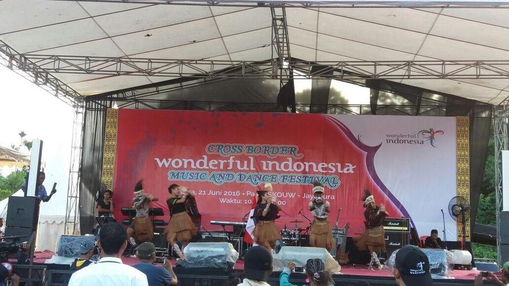 'Wonderful Indonesia', Ketika Konser Digelar Di Pasar Pelosok Nusantara