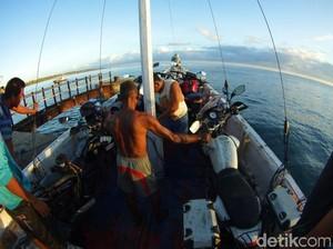 Tim Indonesia Eastcapade Expedition Berhasil Lewati Ganasnya Ombak Menuju Sumba