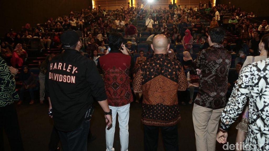 Pecah! Ribuan Orang Seru-Seruan Bareng Bintang 'Rudy Habibie' di Yogyakarta