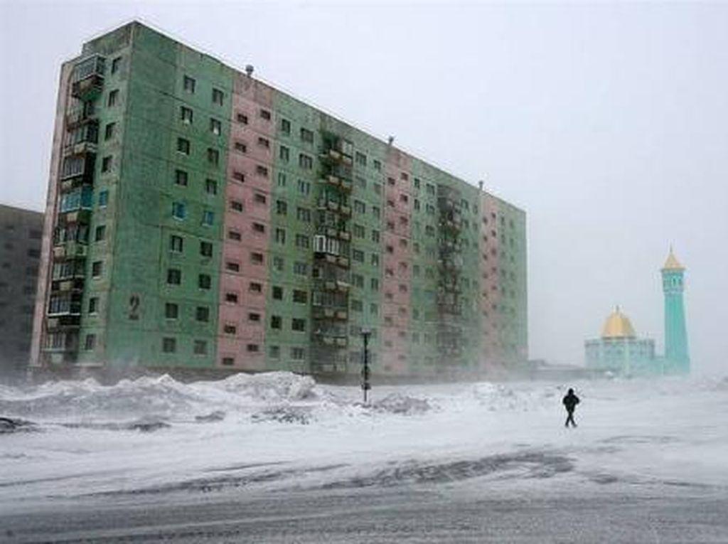 Islam di Kutub Utara, Perjuangan Ibadah di Bawah Titik Beku