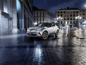 Toyota C-HR, Crossover Coupe yang Menawan