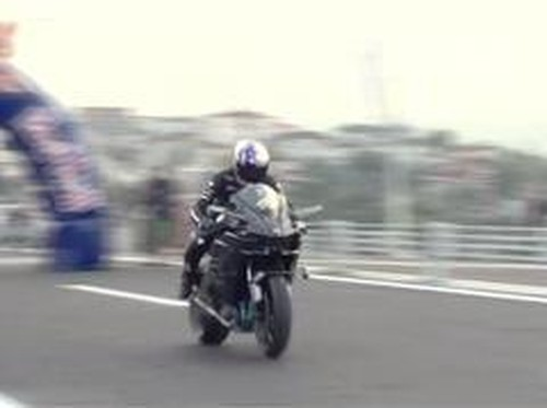Kecepatan Kawasaki Ninja H2R Tembus 400 Km/jam