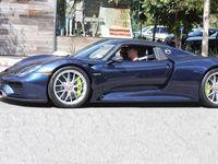 5 Seleb Hollywood Pengguna Mobil Hijau Selain Prius