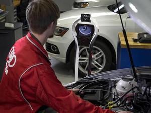Diler Audi Gunakan Robot untuk Bantu Mekanik