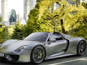 Miliarder Ini Ingin Tukar Pulau Pribadinya dengan Porsche 918 Spyder