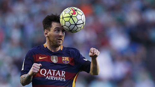 Kisah Suli Berenang 1 Km Demi Foto Bareng Messi