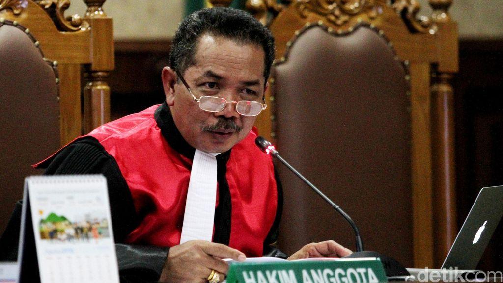 Pertanyaan Menusuk Hakim Binsar yang Bikin Heboh Sidang Mirna