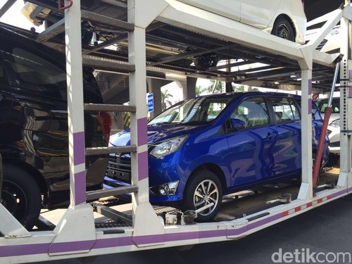 Toyota-Daihatsu Rilis Calya dan Sigra