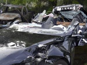 Mobil Tesla Tewaskan Pengemudi saat Autopilot Diaktifkan