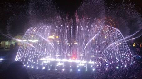 Malam Minggu Romantis Di Jateng Fair, Dihibur Air Mancur Menari