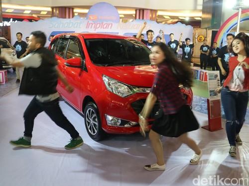 MPV Terjangkau Daihatsu Sigra Menyapa Makassar