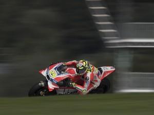 Iannone Juara, Ducati Finis 1-2