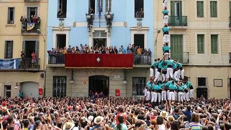 Uniknya Piramida Manusia Di Spanyol