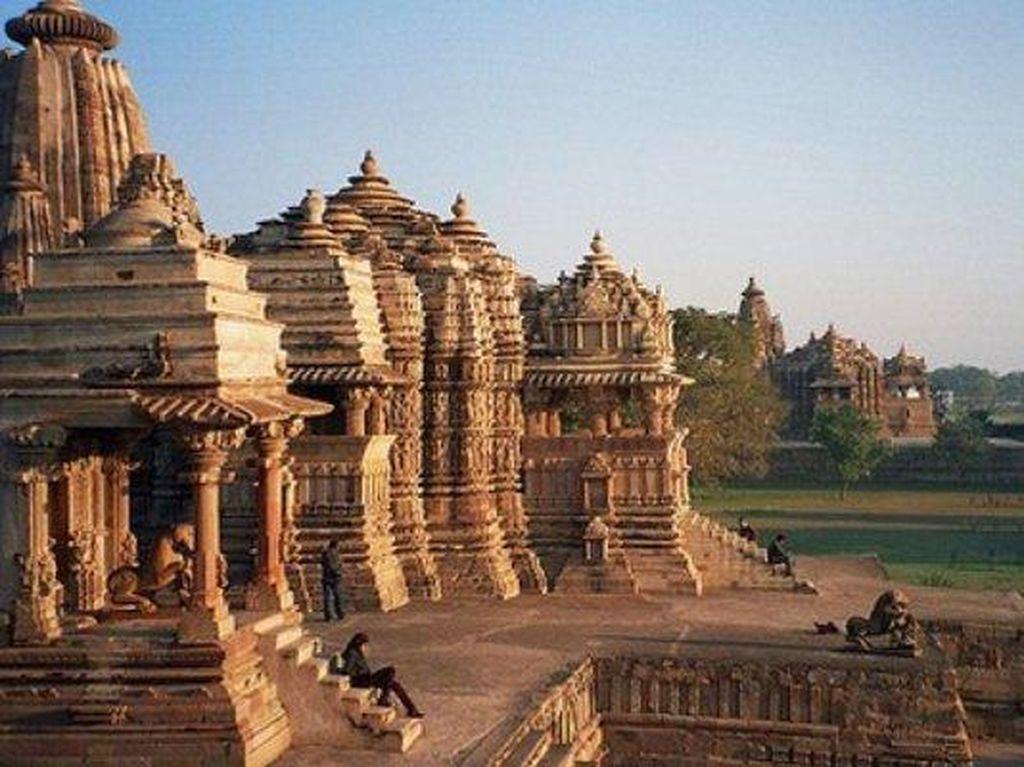 Aha! India Punya Candi Kamasutra