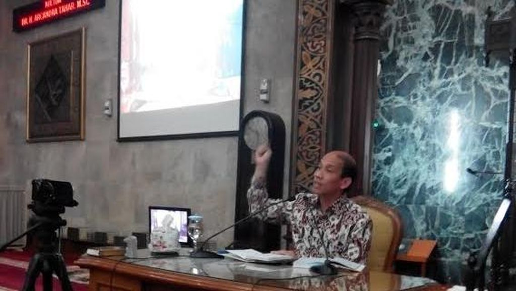 Beri Ceramah di Masjid Sunda Kelapa, Arcandra: Saya Mencari Sahabat, Bukan Permusuhan