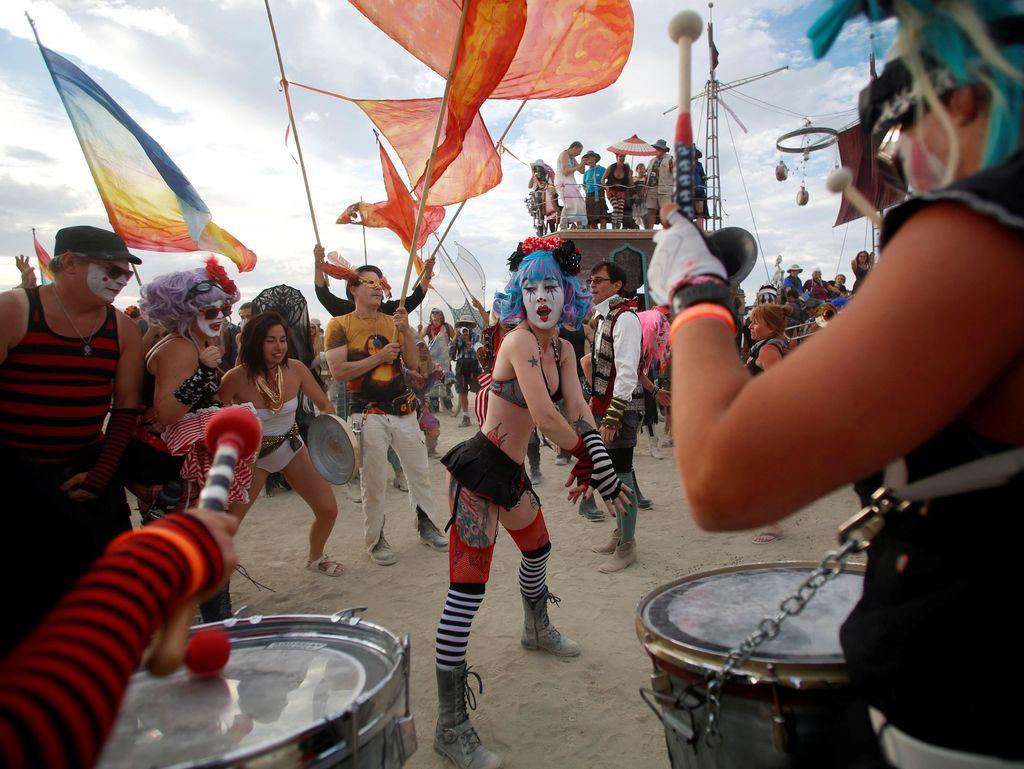 Festival Paling Bebas di AS, Ada Tenda Bercinta Hingga Aneka Hiburan Dewasa