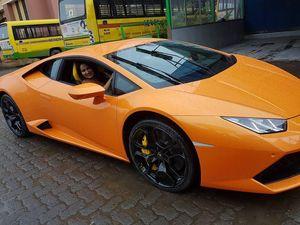 Politisi Beri Lambo untuk Istri, Tak Lama Mobil Tabrak Becak Motor