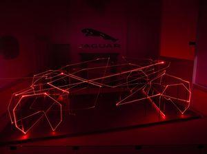 Tim Desain Jaguar Ciptakan Karya Seni 3 Dimensi Pakai Cahaya Laser