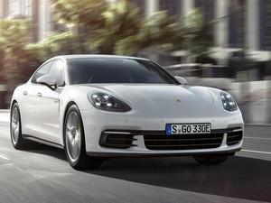 New Porsche Panamera 4 E-Hybrid Hadir di Paris