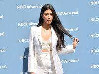 Permalink to Kourtney Kardashian Mesra dengan Kekasih saat Berenang di Italia