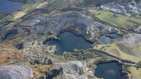 Danau Bekas Tambang Di Wales Yang Dijuluki Kolam Kematian