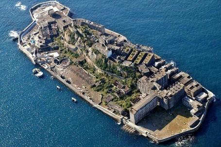 Dulu Terpadat Di Jepang, Kini Jadi Pulau Hantu