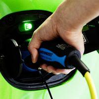 Mobil Listrik Bikin Jaringan Listrik di Inggris Keteteran