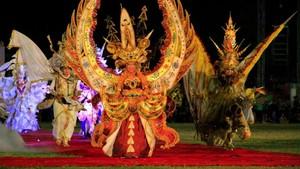 Kostum Malang Amore Carnival Gemparkan Adelaide