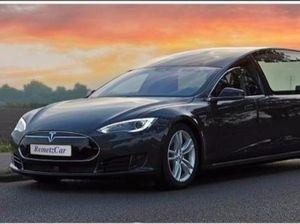 Begini Jadinya Kalau Tesla Jadi Mobil Jenazah