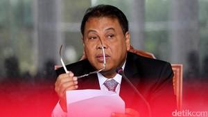 Ketua MK Dengar Godaan Triliunan Rupiah Saat Adili UU Tax Amnesty