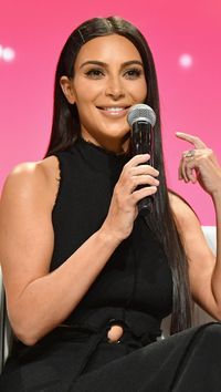 Harga Sekali Posting Instagram Kim Kardashian Hingga Kylie Jenner