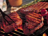 Kaitan Antara 'Larangan' Makan Daging dan Risiko Dehidrasi Menurut Dokter