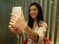 Unggah Foto Selfie, Cara Raline Shah Manjakan Fans di Sosmed