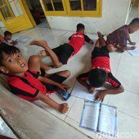 Murid Belajar di Musala, Pembangunan Kelas Baru Tunggu Tukar Guling