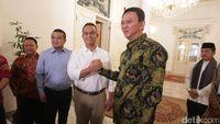 Pinjami Anies Heli, Erwin Aksa: Jika Naik Go-Jek Dibilang Pencitraan