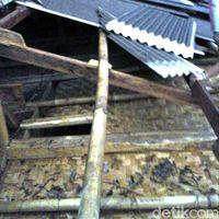 Atap Rumah Warga di Sukabumi Terbang Diterjang Puting Beliung