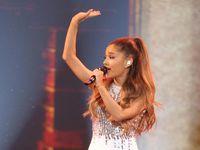 Ariana Grande Janji akan Kembali ke Manchester dan Gelar Konser Amal