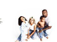 Permalink to Unggah Foto Ini, Kim Kardashian Beri Kode Nama Anak Ketiga?