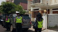 Samsat Jakbar Mulai Datangi Pemilik Mobil Mewah yang Tunggak Pajak