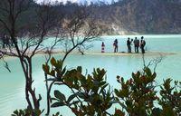Kawah Putih Bandung, dari Angker Sampai Ramai Wisatawan