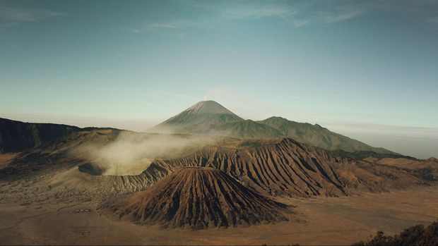 Jazz Gunung memadukan keindahan panorama Gunung Bromo dengan syahdunya irama musik jazz.