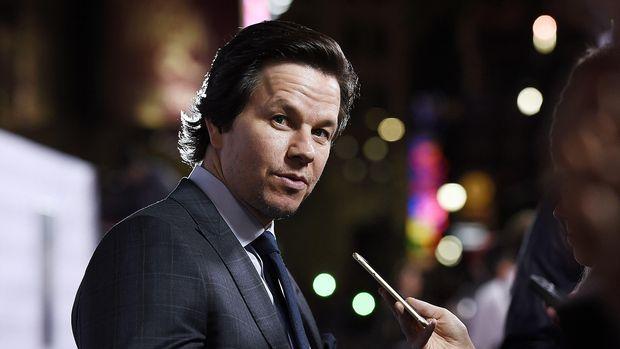 Mark Wahlberg memerankan Marcus, pemeran utama dalam Lone Survivor.