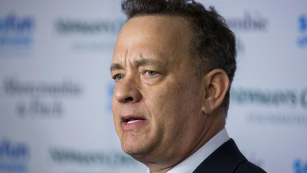 Tom Hanks memerankan karakternya di Saving Private Ryan dengan brilian.