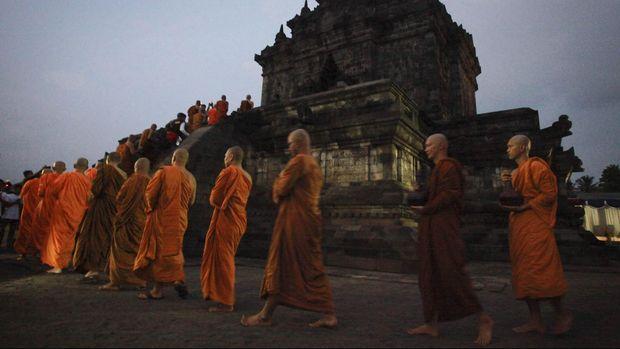 Candi Borobudur Gaet Wisatawan Dengan Teknologi Interaktif