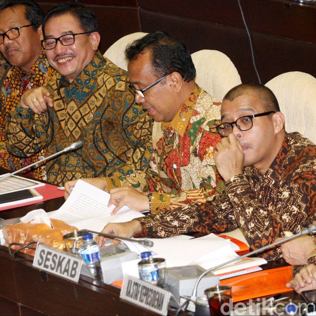 Menteri yang Direshuffle adalah Menteri yang Berani Mengatai Jokowi?