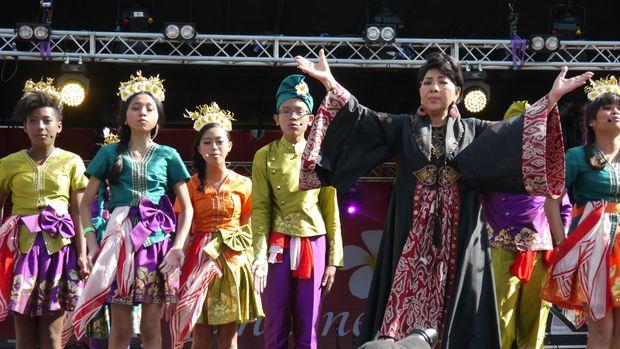 Titiek Puspa lahir 80 tahun yang lalu di Kalimantan Selatan.